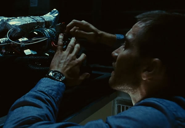 jake gyllenhaal u0026 39 s watch in source code movie