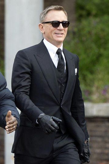 Daniel Craig Spectre Filming Omega 2