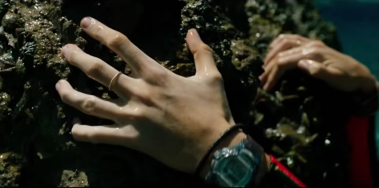 Blake Lively Watch In The Shallows Movie 2