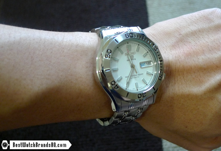 Seiko 5 SNK027K White Seamaster Wrist Shot