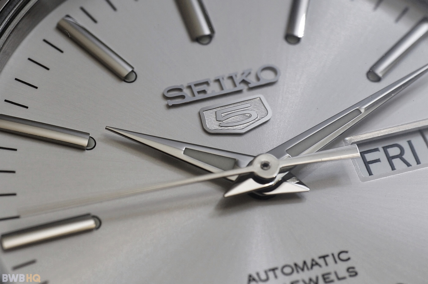 Review Seiko SNKL41 White Dial